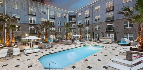 Elan Midtown Apartments Pool
