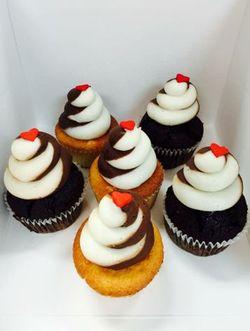 Charleston Love Cupcakes