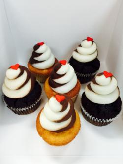 Cupcake Dowtown Charleston Love 1